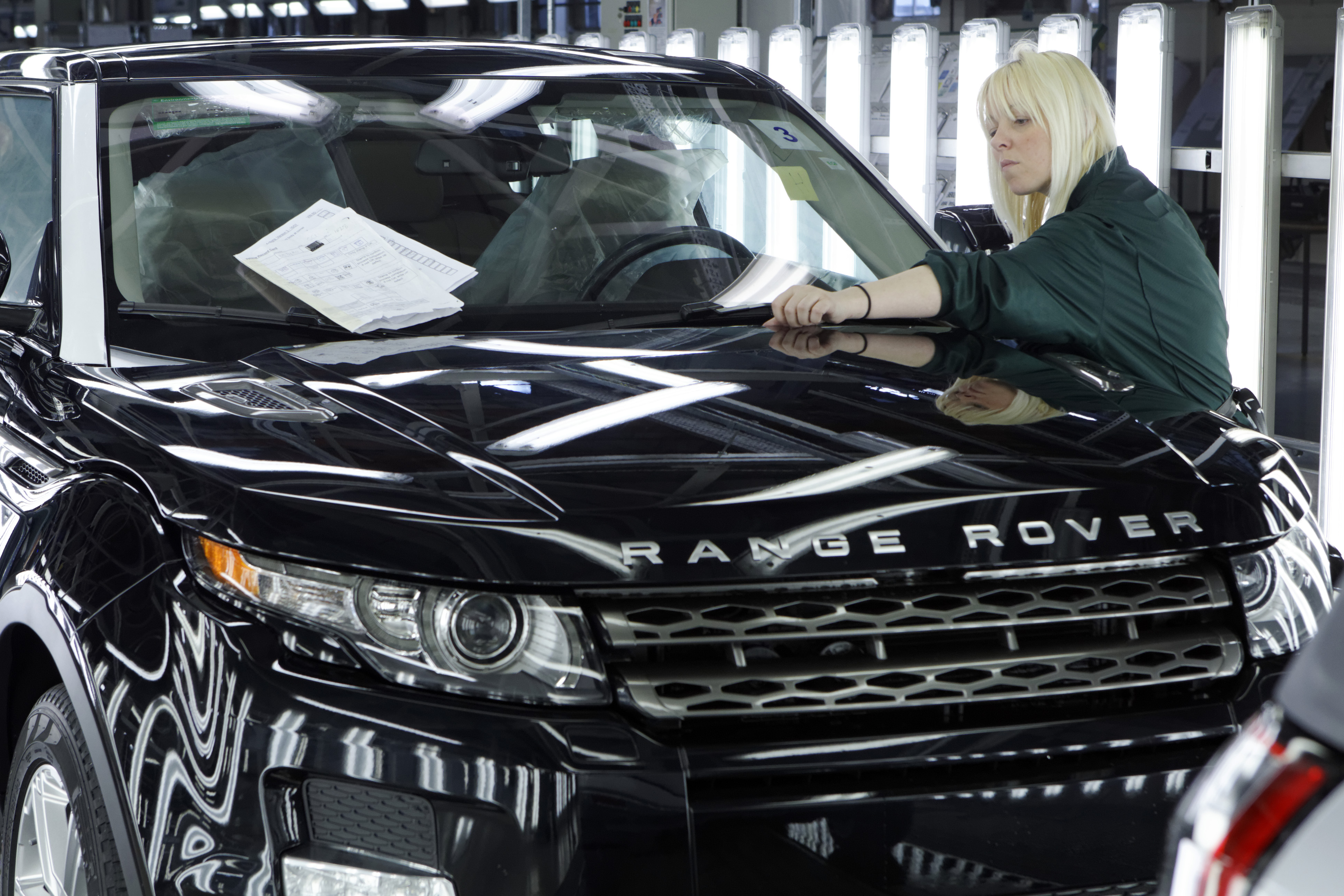 JLR creates 1,000 new jobs to increase UK production