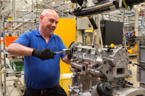 Ford recruits 250 for new low carbon diesel engine for Ford motor company employee login